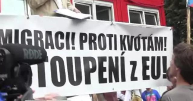 V Prahe sa uskutočnili demonštrácie proti aj za utečencov