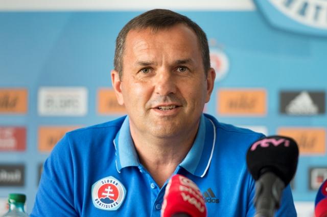 Na snímke tréner Dušan Tittel