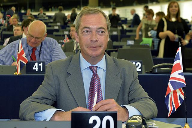 Na snímke britský euro-poslanec Nigel Farage.