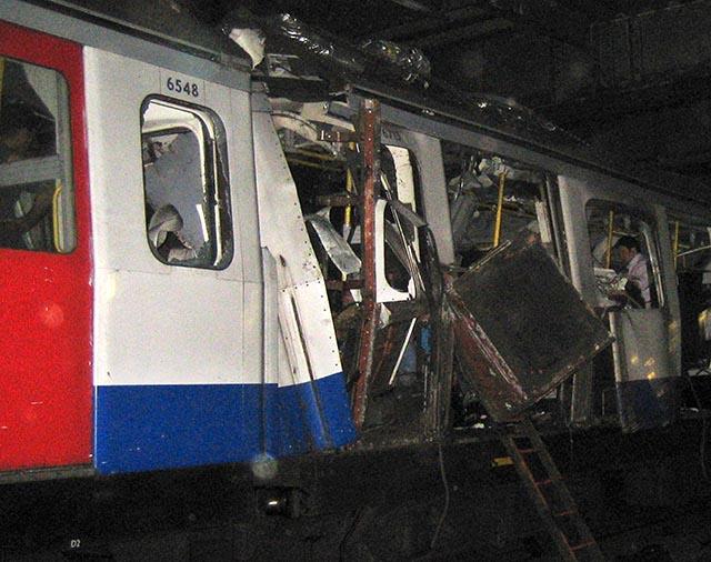 07. júla 2005, pri teroristickom útoku na londýnske metro a autobus zahynulo 52 ľudí a štyria samovražední útočníci.
