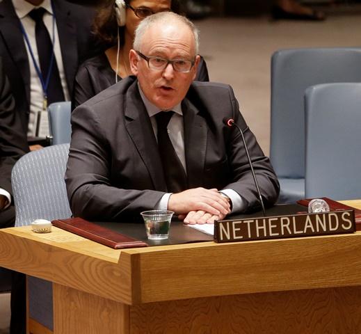 Na snímke podpredseda Európskej komisie Fransa Timmermans