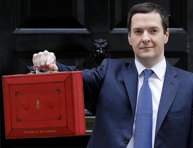 Na snímke britský minister financií George Osborne