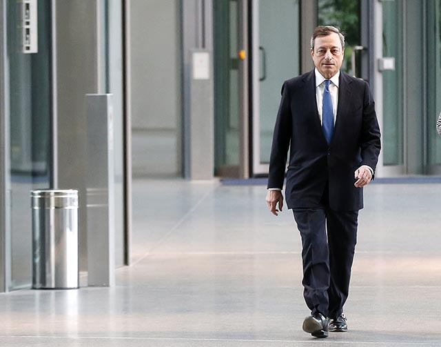 Na snímke prezident Európskej centrálnej banky Mario Draghi.