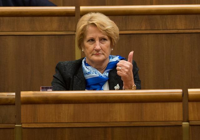 Na snímke podpredsedníčka parlamentu Jana Laššáková (SMER-SD)