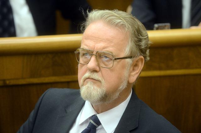Na snímke poslanec Peter Osuský