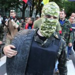 Na snímke demonštranti