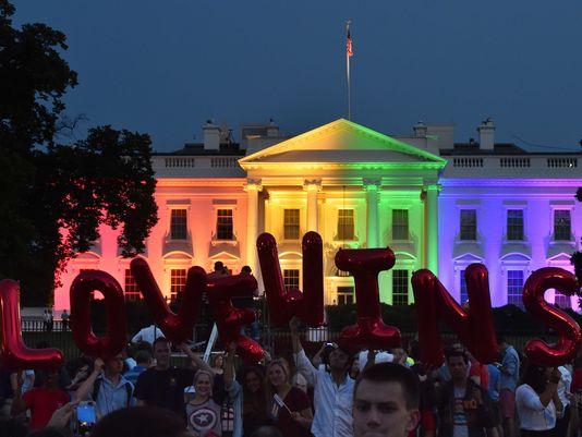 Biely Dom po súdnom rozhodnutí, ktoré zaviedlo homosexuálne manželstvá
