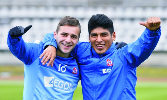 Na snímke Karol Mondek (vľavo) a Aldo Baez