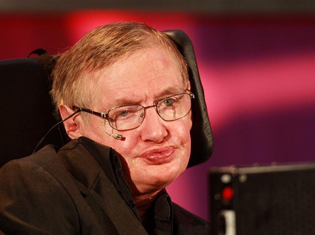 Na snímke britský fyzik Stephen Hawking.
