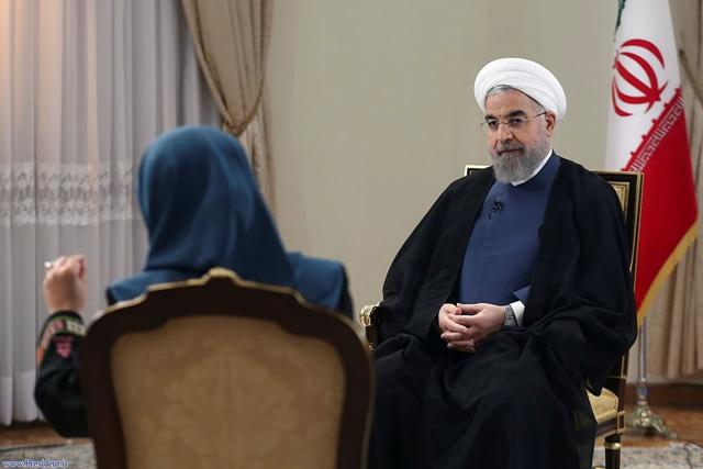Na snímke iránsky prezident Hasan Rúhání (vpravo)