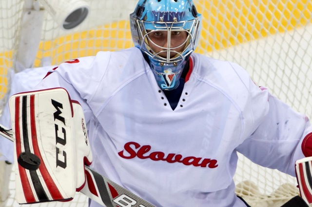 Na snímke brankár Michael Garnett (Slovan)