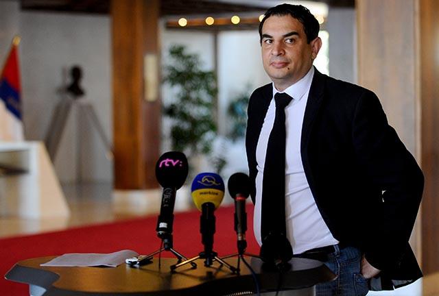 Na snímke splnomocnenec vlády SR pre rómske komunity Peter Pollák.