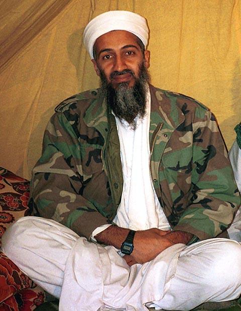 Na archívnej snímke saudskoarabský disident Usama bin Ladín.
