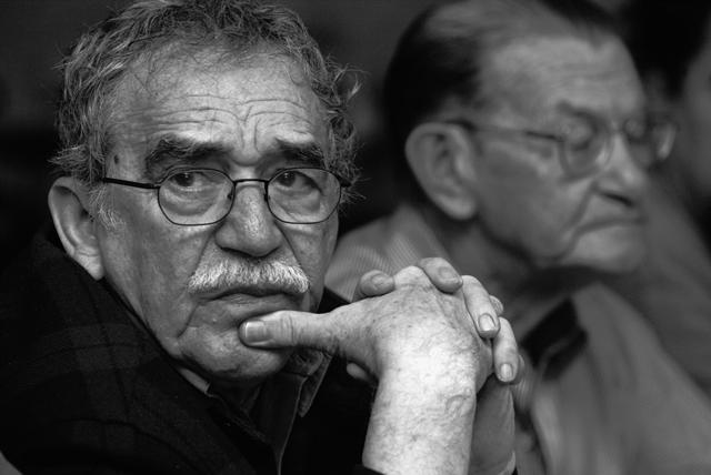 Na snímke z roku 2003 je Gabriel García Márquez