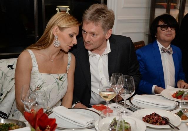 Na snímke Tatiana Navková a Peskov