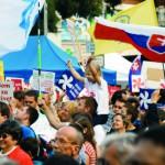 Na snímke účastníci Národného pochodu za život v Bratislave 20. septembra 2015. Cieľom podujatia bolo vyzdvihnúť význam ľudského života a nutnosť chrániť ho od počatia po prirodzenú smrť