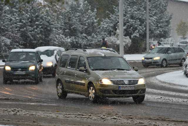 Na snímke sneženie v Poprade