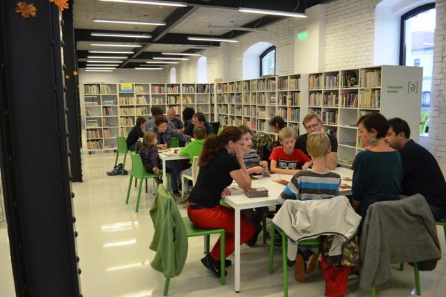 Už v piatok 16. októbra 2015 odštartuje V. ročník dvojdňového literárneho festivalu Číta celá rodina