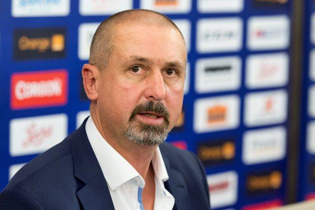 Na snímke reprezentačný tréner Zdeno Cíger