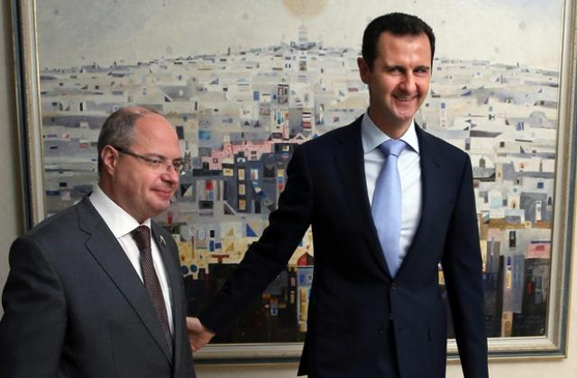 Na snímke vpravo sýrsky prezident Bašár Asad a Sergej Gavrilov
