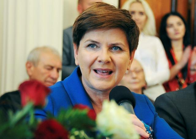 Na snímke Beata Szydlová