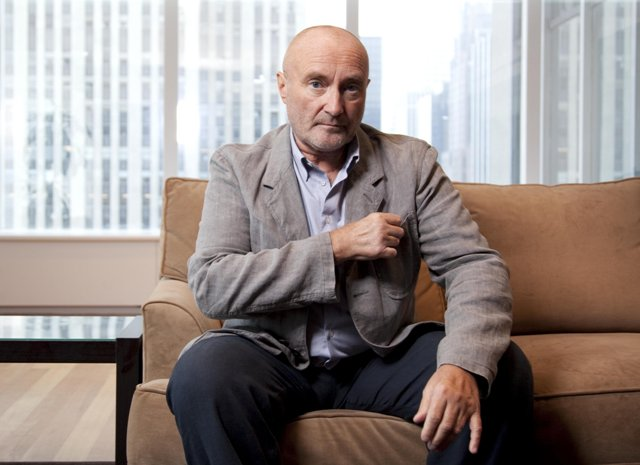 Na snímke spevák a autor piesní Phil Collins