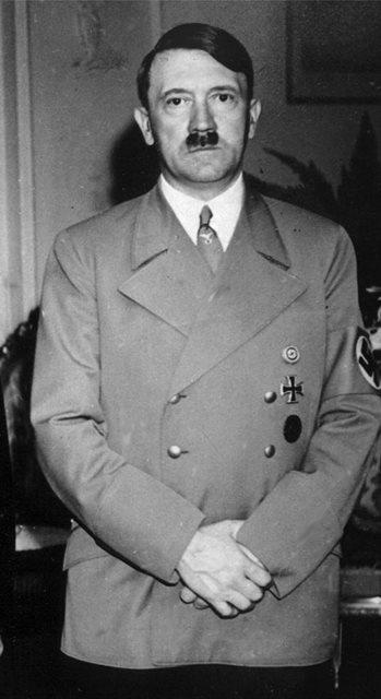 Na nímke nemecký diktátor Adolf Hitler
