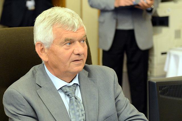 Na snímke minister pôdohospodárstva a rozvoja vidieka SR Ľubomír Jahnátek.