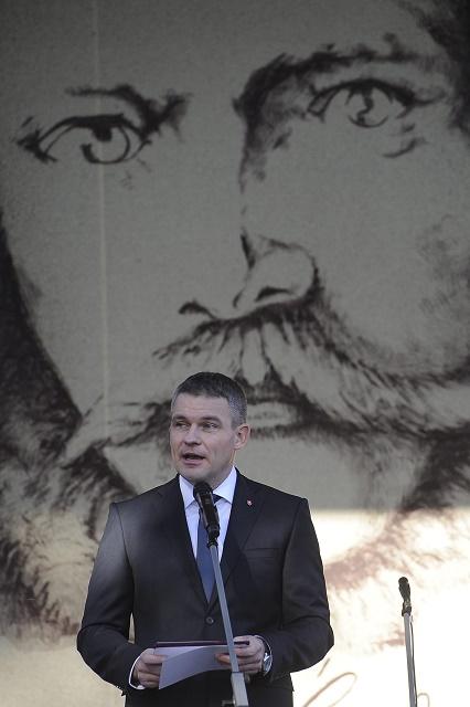 Predseda Národnej rady SR Peter Pellegrini počas prejavu na  Celonárodnej spomienke na Ľudovíta ŠŠtúra pri príležžitosti 200. výročia jeho narodenia 24. októbra 2015 v Uhrovci.