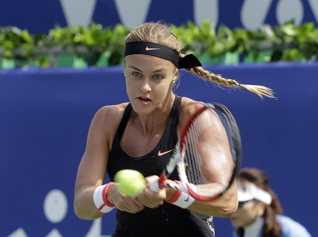 Na snímke náš tenisový talent Anna Karolína Schmiedlová