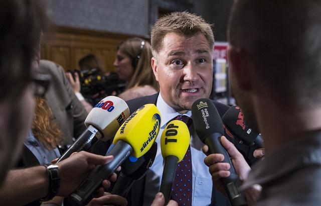Na snímke Toni Brunner, predseda víťaznej strany SVP vo víkendových parlamentných voľbách vo Švajčiarsku