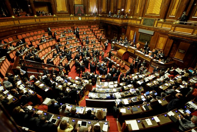 Na snímke poslanci talianskeho senátu