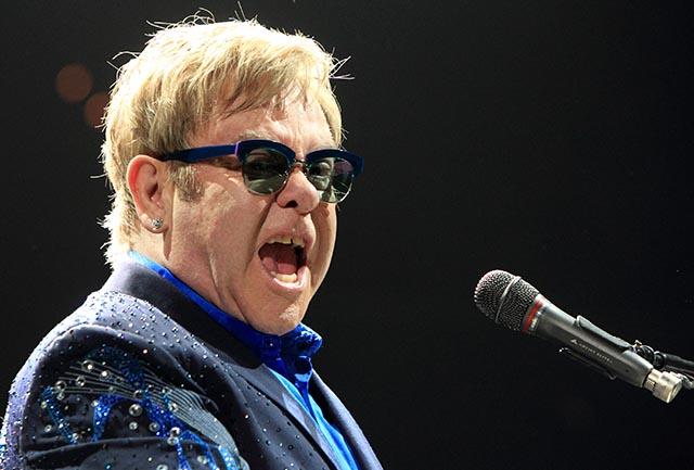 Na snímke britský spevák Elton John