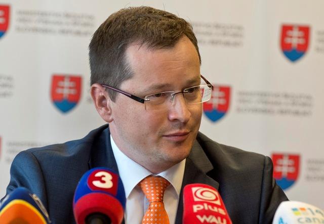 Na snímke minister školstva vedy, výskumu a športu SR Juraj Draxler