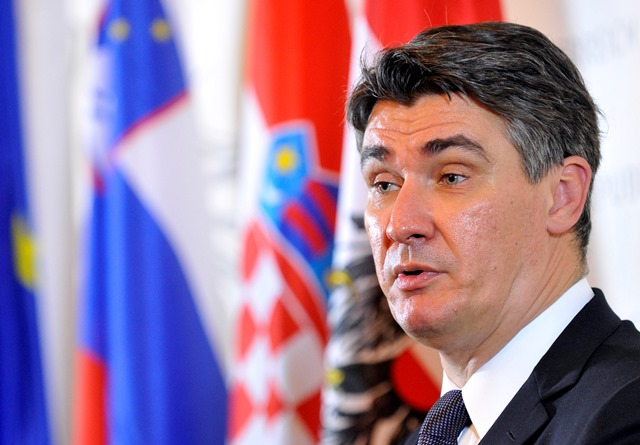 Na snímke chorvátsky premiér Zoran Milanovič