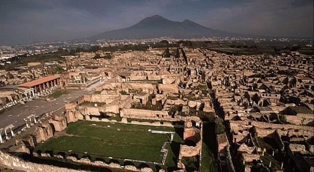 Dnešný pohľad na staroveké Pompeje