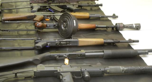 Zbrane, ktoré rozhodovali doterajšie konflikty budú popri nových zbraniach iba ako detské hračky. Ilustračné foto