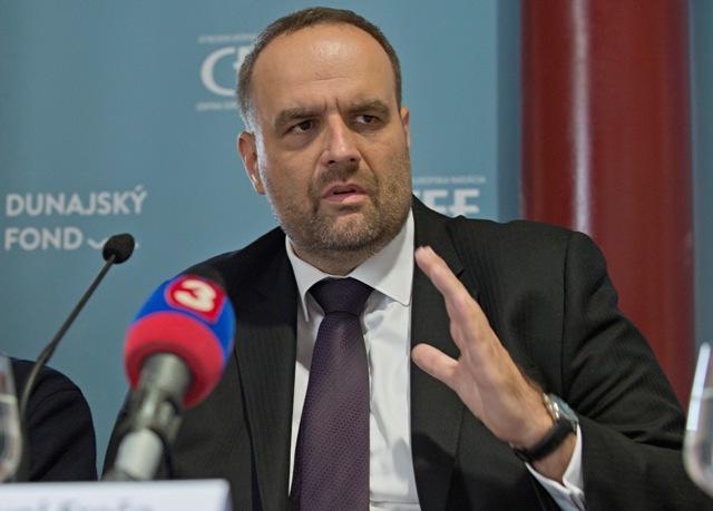 Na snímke predseda strany SDKÚ-DS Pavol Frešo