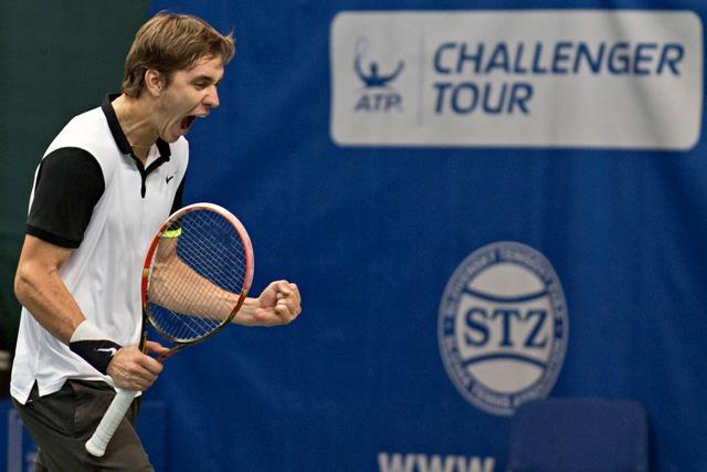 Na snímke bieloruský tenista Jegor Gerasimov sa teší z víťazstva 7:6, 7:6 proti Slovákovi Lukášovi Lackovi vo finále mužskej dvojhry na tenisovom turnaji ATP Challenger Slovak Open