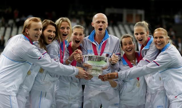 České tenistky obhájili triumf v Pohári federácie, keď vo finále zvíťazili nad Ruskom 3:2