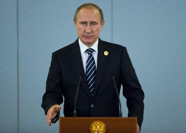 Na snímke ruský prezident Vladimir Putin počas tlačovej konferencie na smmite krajín G-20 v tureckej Antalyi