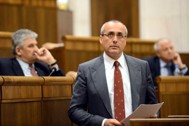 Na snímke minister spravodlivosti SR Tomáš Borec (vpravo)