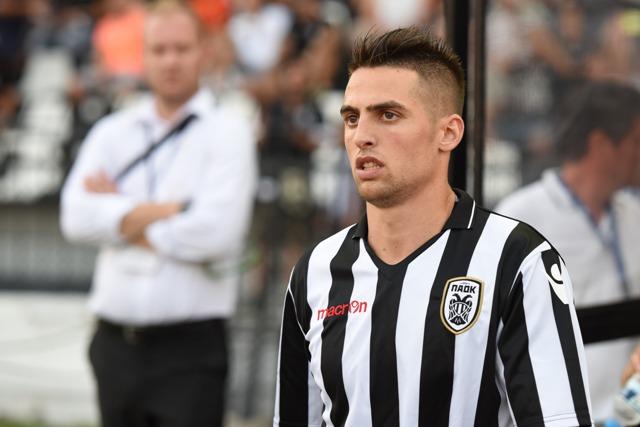 Na snímke hráč PAOK Róbert Mak