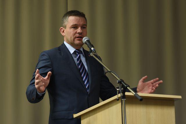 Na snímke predseda Národnej rady SR Peter Pellegrini počas 7. zjazdu Odborového zväzu pracovníkov školstva a vedy (OZ PŠaV) na Slovensku na Štrbskom Plese vo Vysokých Tatrách
