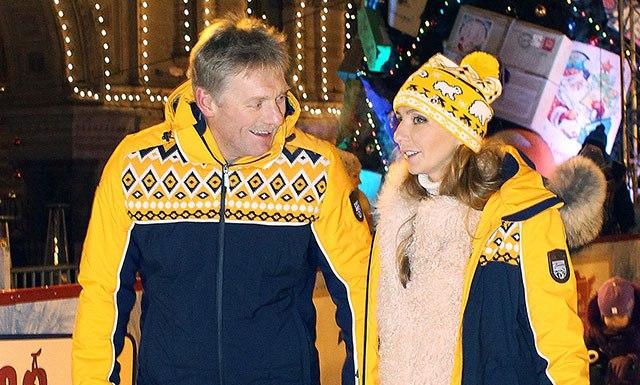 Hovorca Kremľa Dmitrij Peskov zavítal na klzisko s manželkou