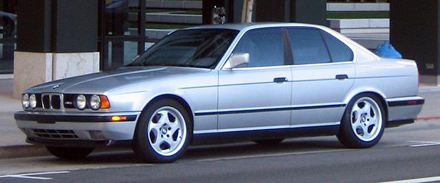 BMW_M5_E34_front