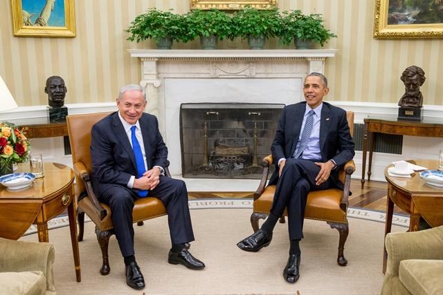 Na snímke izraelský premiér Benjamin Netanjahu a americký prezident Barack Obama