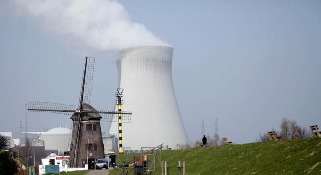Na snímke jadrová elektráreň Doel