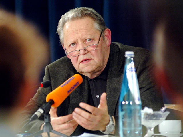 Na snímke z roku 2004 Günter Schabowski