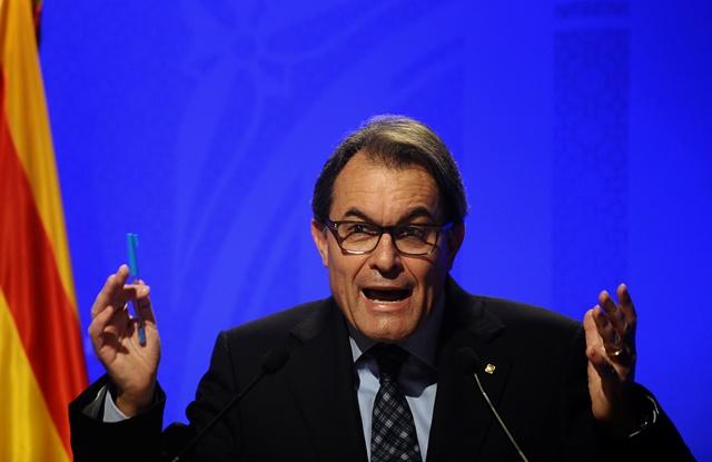 Na snímke predseda katalánskej regionálnej vlády Artur Mas